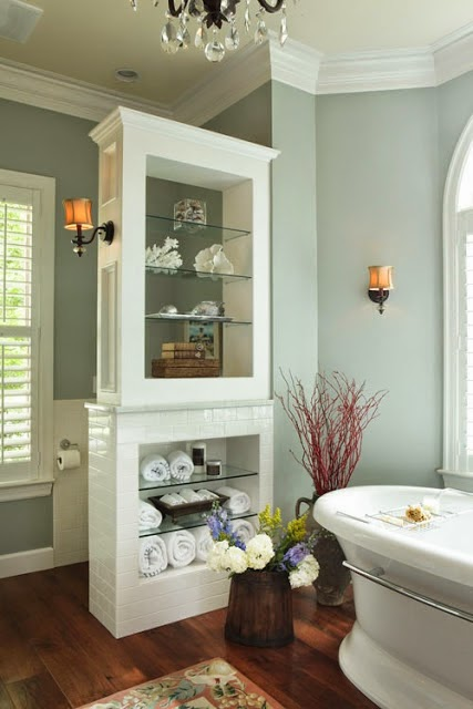 Master Bath– the Pony Wall