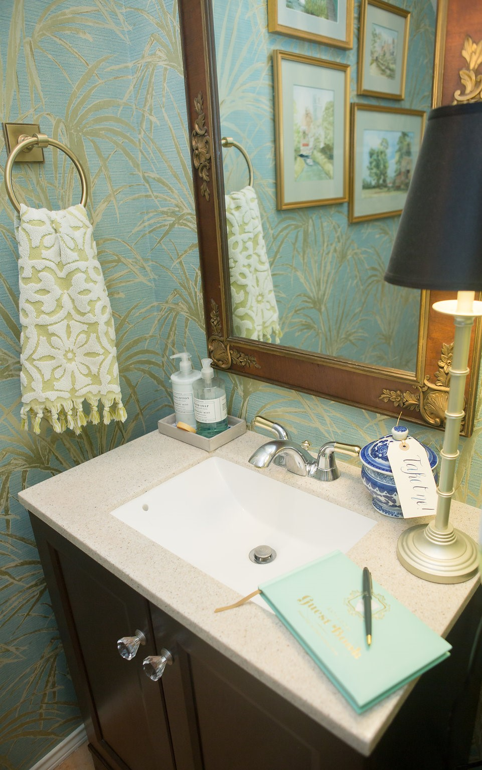 Home Tour — The Powder Room