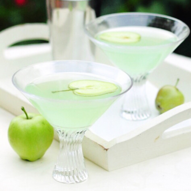 St. Patrick's Day Cocktail — Green Apple Ginger Martini